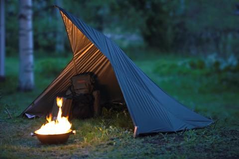 ensamma vargen tält